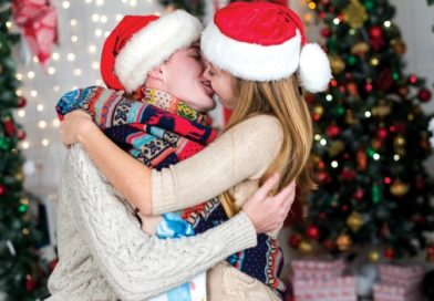 7 Tips for Spending the Holidays with a New Partner